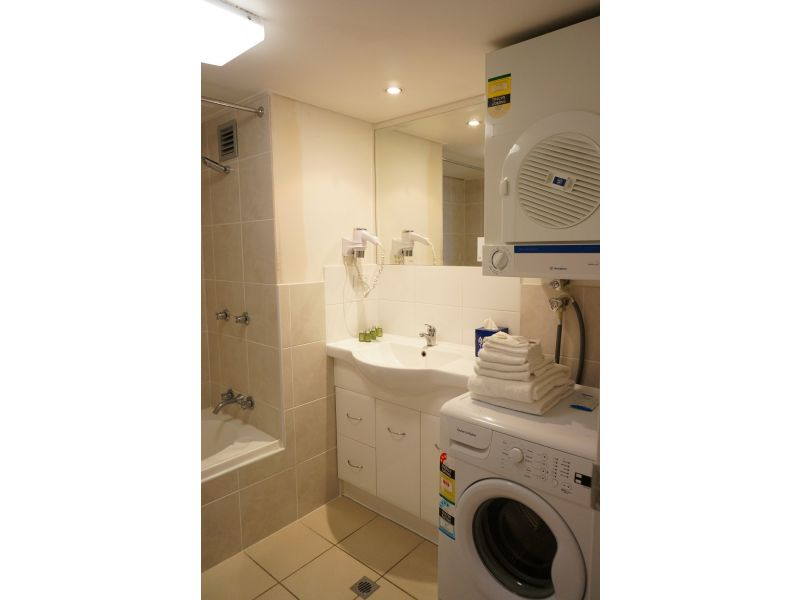 154-Expandnet-Leisure-Pty-Ltd-accomodation-Brisbane-CBD-Abbey On Roma-2-Superior-380