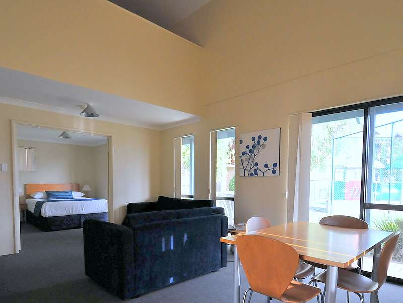 71-Amalfi-Resort-Busselton-accomodation-Busselton-Amalfi Resort Busselton-3-Deluxe 2 x 1-140