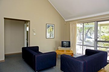 76-Whitemark-Pty-Ltd-accomodation--Bayview Geographe Resort-3-2 Bedroom Villa-168