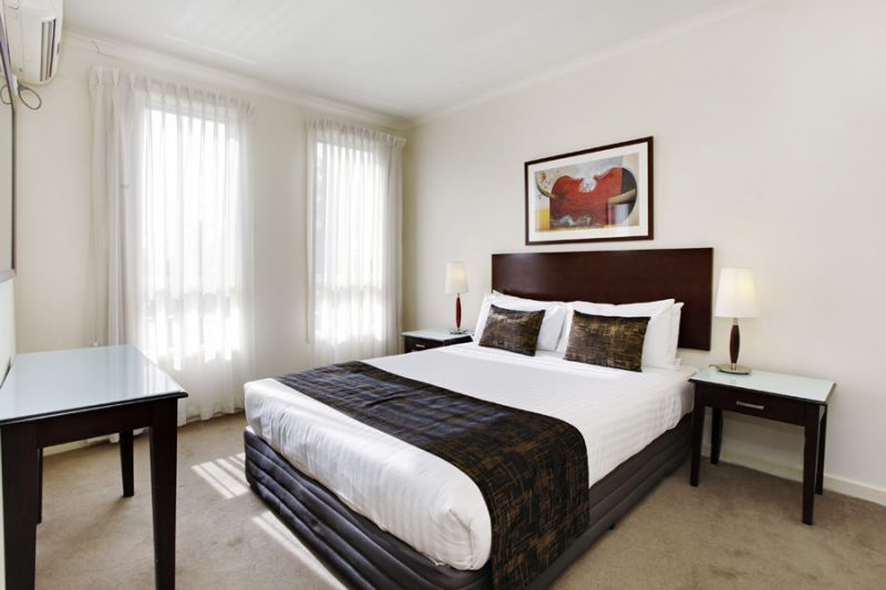 49-Jade-Hospitality-Pty-Ltd-accomodation-Fitzroy-Fitzroy Gardens Residence-2-1 Bedroom Apartment-94