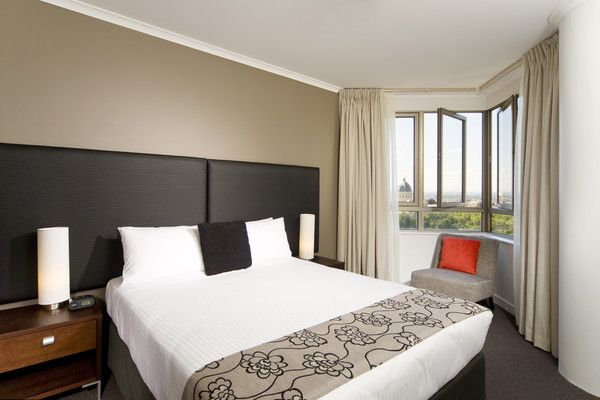 213-Mantra-on-the-Park--accomodation-Melbourne-CBD-Mantra on the Park-3-Two Bedroom Two Bathroom Parkview Apartment-502
