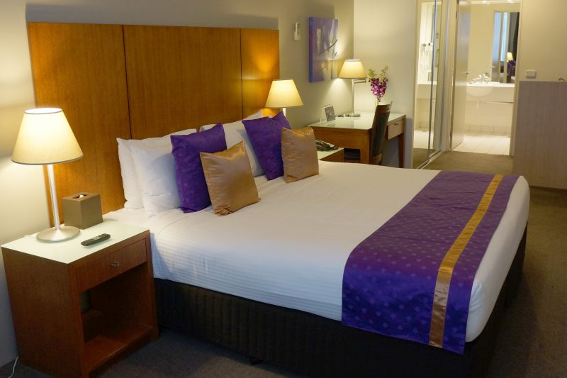 78-StayWell-Hospitality-Group-accomodation-Melbourne-CBD-Park Regis Griffin Suites-2-1 King Bed or 2 Single Beds-173
