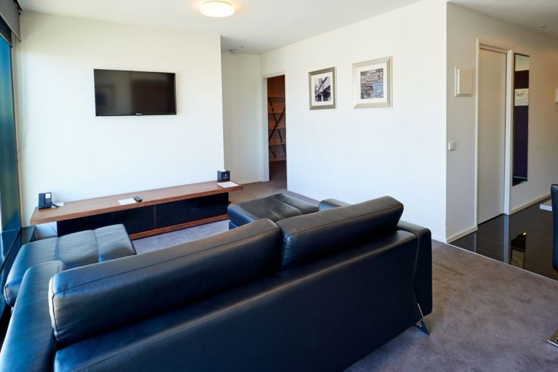 224-Ideal-Suites-Pty-Ltd-accomodation-Melbourne-CBD-Pegasus Apartment Hotel-1-Twin Studio-532