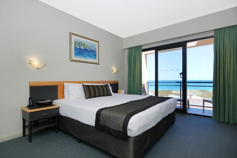 87-AJS-Management-accomodation-Sorrento-Quality Resort Sorrento Beach-2-1 Bedroom Spa Apartment Ocean View-215