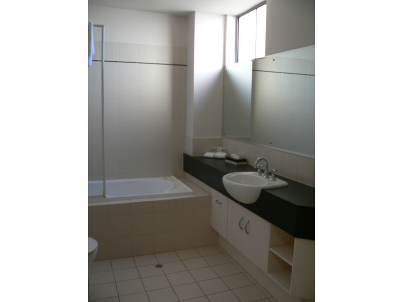 155-RNR-SERVICED-APARTMENTS-ADELAIDE-accomodation-Adelaide-CBD