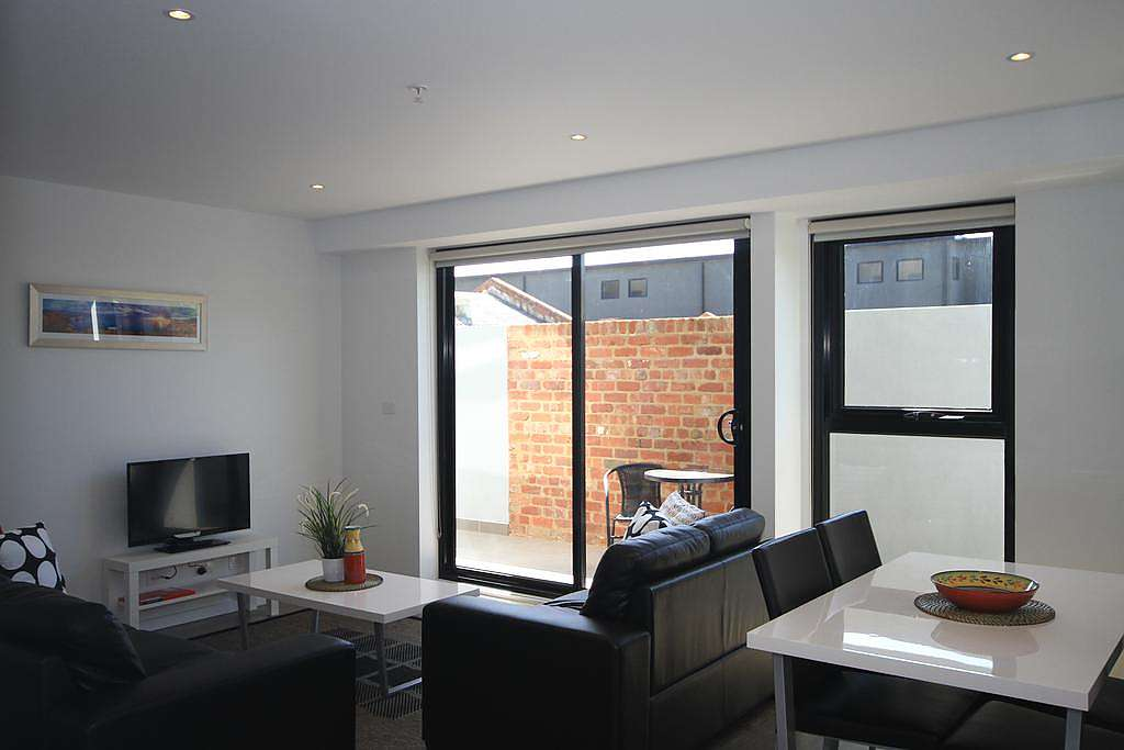 210-Rumrock-accomodation-North-Melbourne