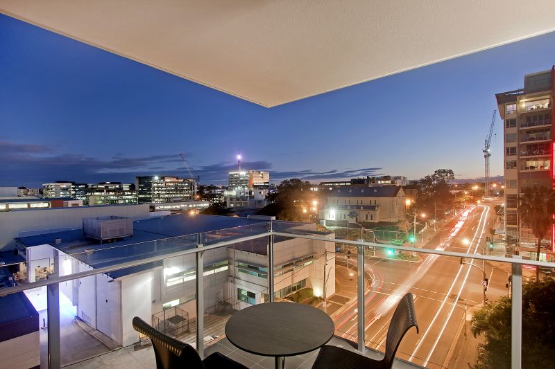 107-Hudpac-Corporation-No.-2-Pty-Ltd-accomodation-South-Brisbane-The Capitol Apartments-2-1B1Q-245