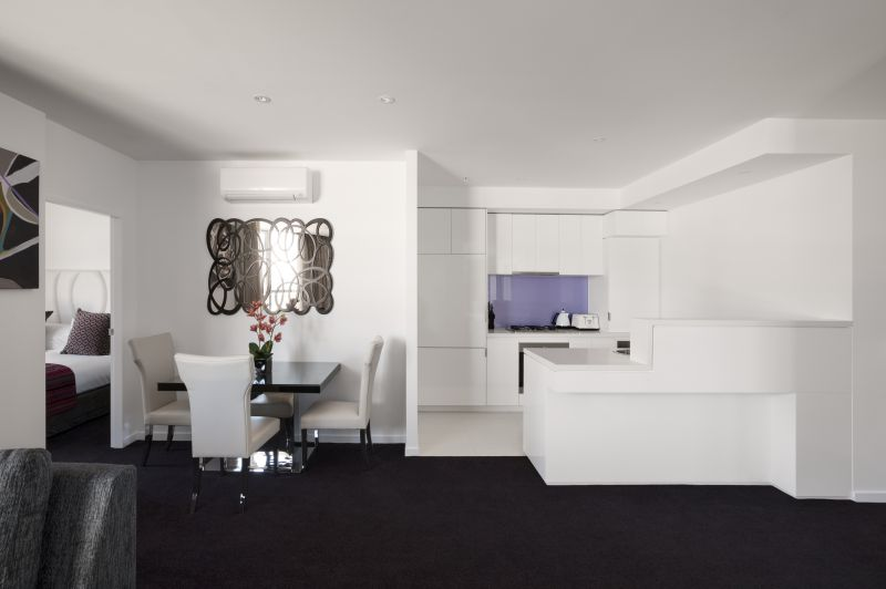 128-Metro-Real-Estate-Services-Pty-Ltd-accomodation-Docklands-The Sebel Melbourne Docklands-2-1 Bedroom Executive King Apartment-305