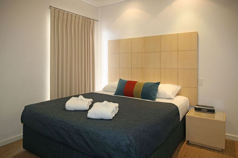 one_bedroom_king_3.jpg?v=11032016 apartments furnished geraldton waldorf uploads files
