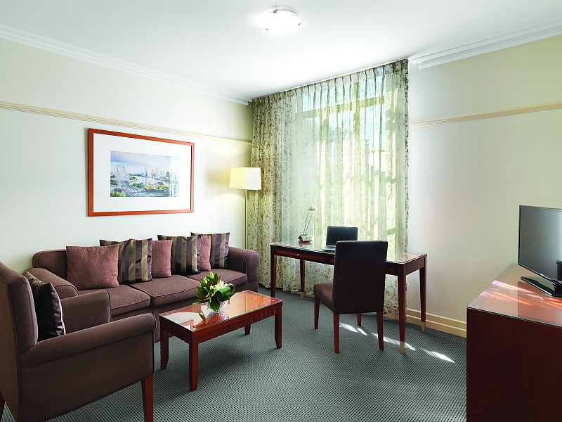 371-Adina-Apartment-Hotel-Brisbane-Anzac-Square-accomodation-Brisbane-CBD