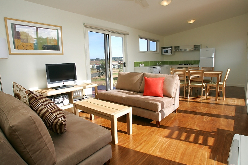 243-Resort-Management-By-Wyndham-accomodation-Cowes-Ramada Resort Phillip Island-4-3 Bedroom Cottage-566