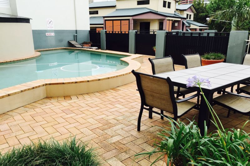 230-Eight-Fingers-Pty-Ltd-accomodation-Spring-Hill-The Sedgebrook on Leichhardt-2-1 bedroom apartment-543