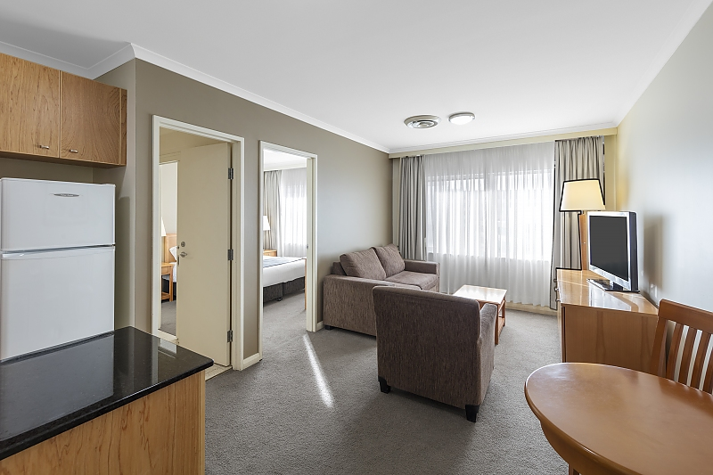 323-Waldorf-Apartment-Hotel-Canberra-Pty-Ltd-accomodation-Canberra
